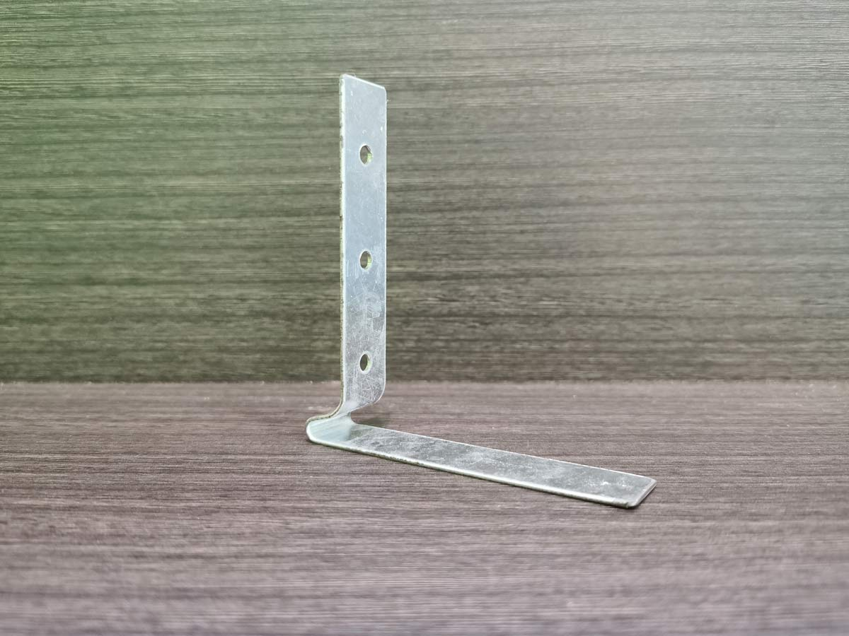 BE Resilient - Internal Vertical Wall bracket fastened to slab/beam soffit